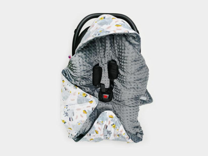 Otulacze do fotelika – sposób na komfortową podróż dziecka