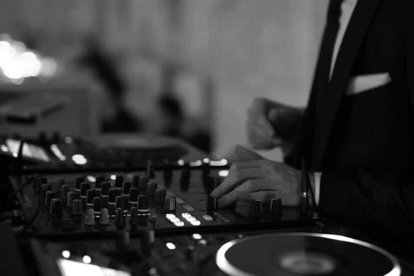 Przyjęcie z dj-em weselnym