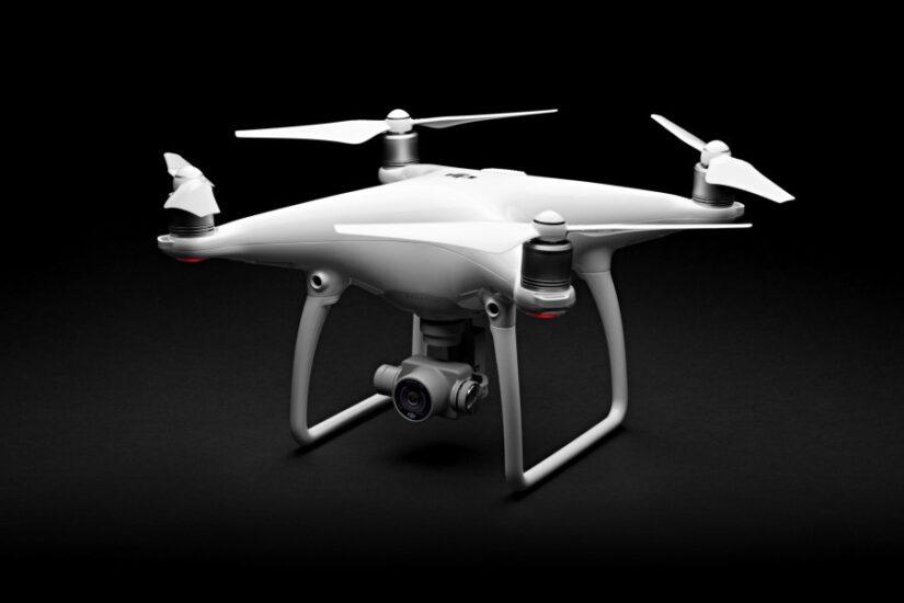 Usługa filmowania dronem czy wypożyczenie sprzętu?